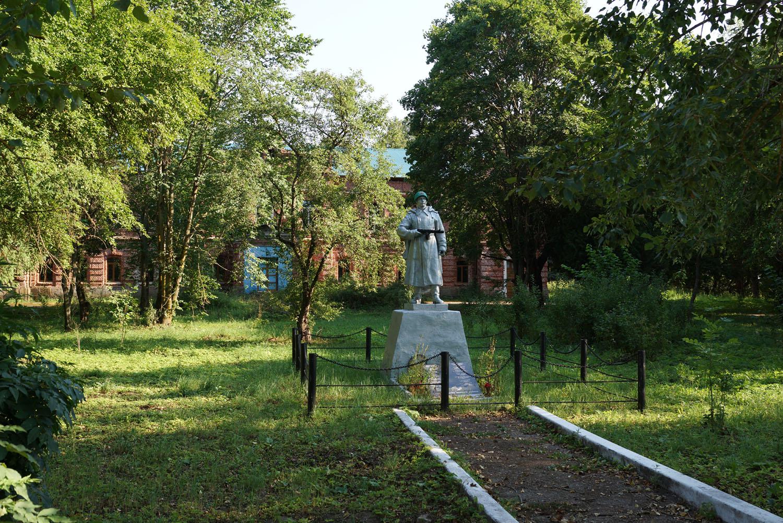Гора, Бежаницкий район, Псковская область. Братская могила.