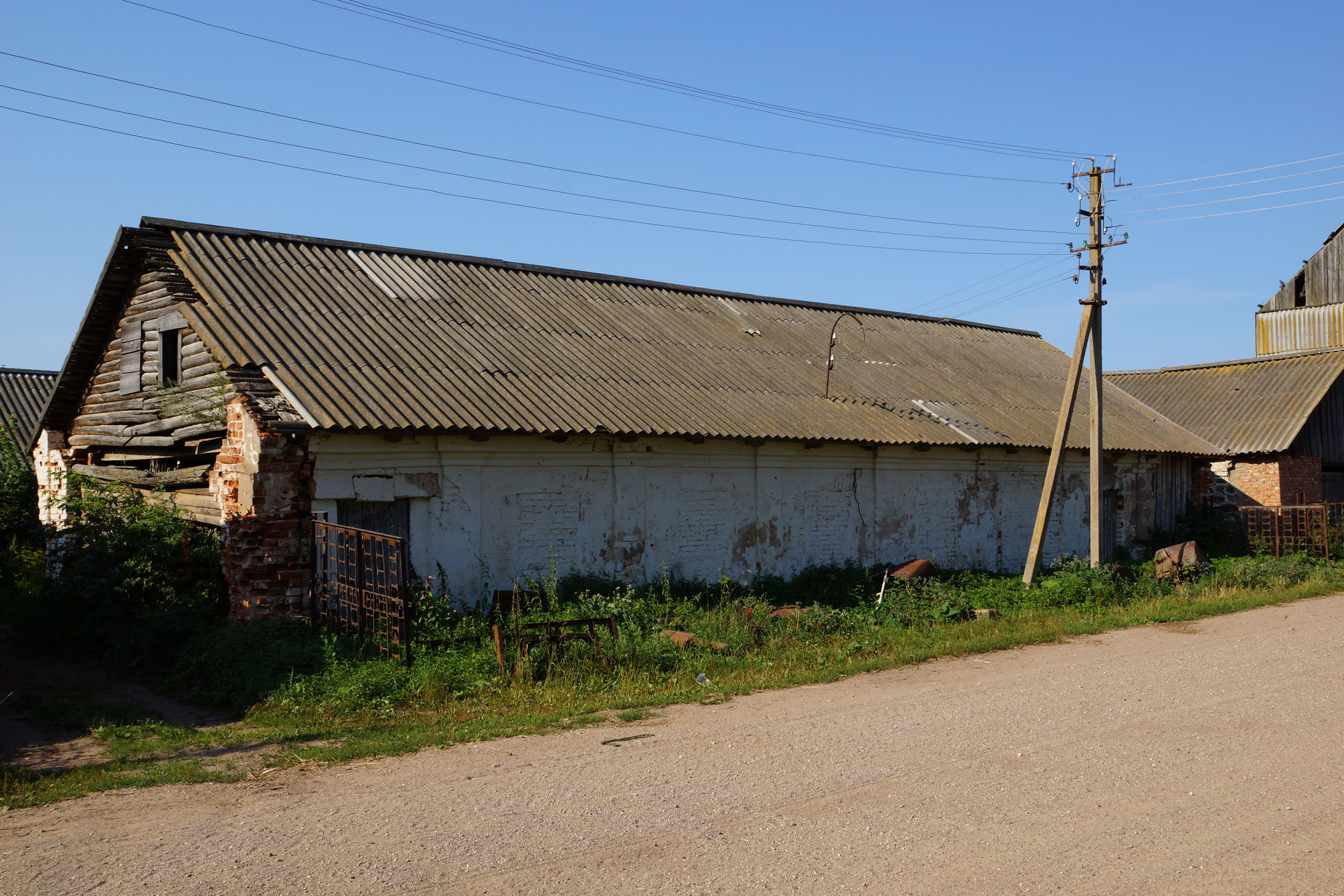 Гора, Бежаницкий район, Псковская область. Скотный двор.
